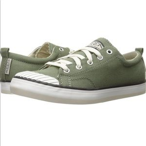 Keen Elsa canvas Olive Sneakers size 8.5